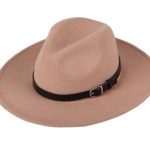 Lady's Tan Fidora Wool Hat